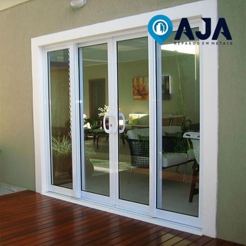 Empresa de Reparo em Janelas de Alumínio Alto de Pinheiros - Reparo em Porta de Alumínio