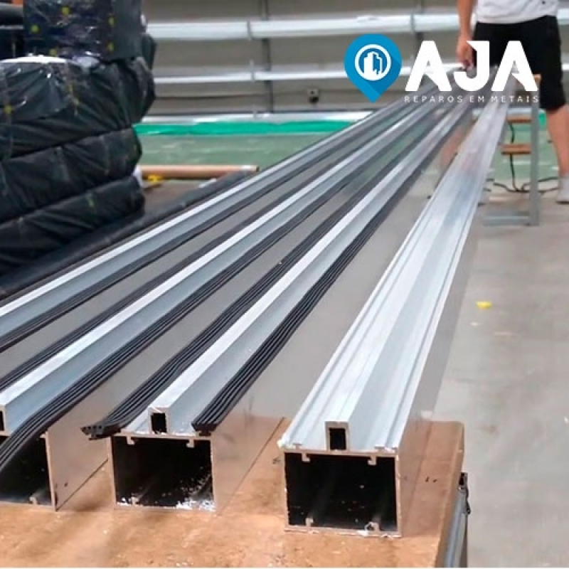 Reparo de Perfil de Alumínio Estrutural 40x40 Morumbi - Reparo de Perfil de Alumínio Drywall