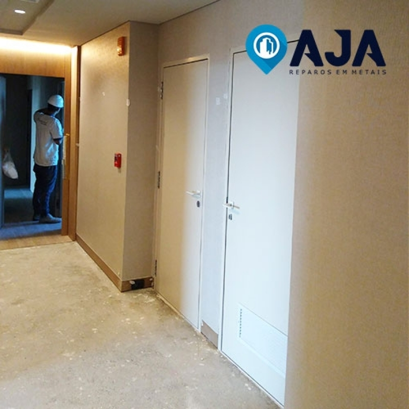 Reparo de Porta Corta Fogo para Drywall Preço ARUJÁ - Reparo de Porta Corta Fogo Fechamento Automático