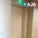 reparo de porta corta fogo para drywall